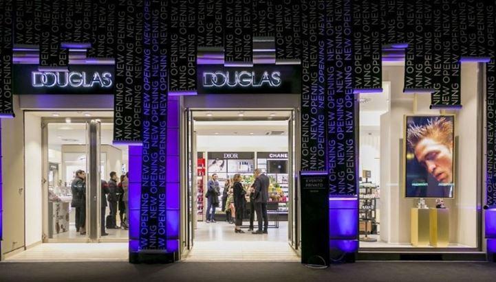 La profumeria Douglas di Corso Buenos Aires a Milano