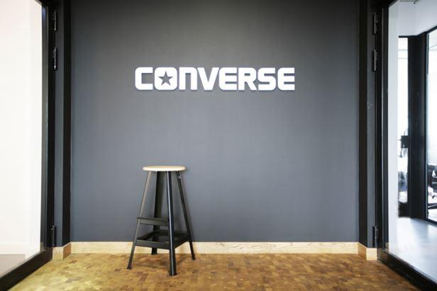 converse-office-design-10-700x467.jpg