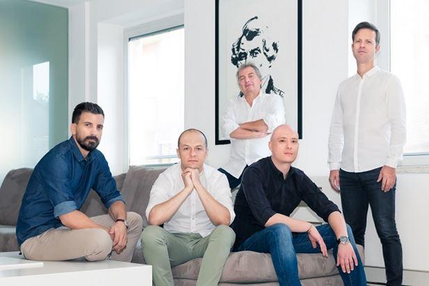 Da sinistra: Bozzardi, Lapini, Vohwinkel, Fontana. Dietro: Porro
