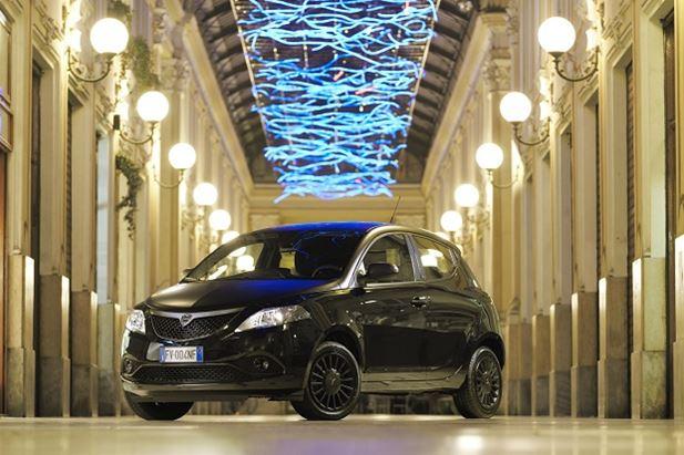Lancia_Ypsilon_black.jpg