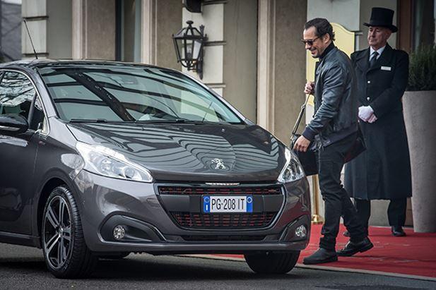 Peugeot-208-Stefano-Accorsi.jpg