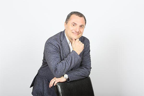 Roberto Genova