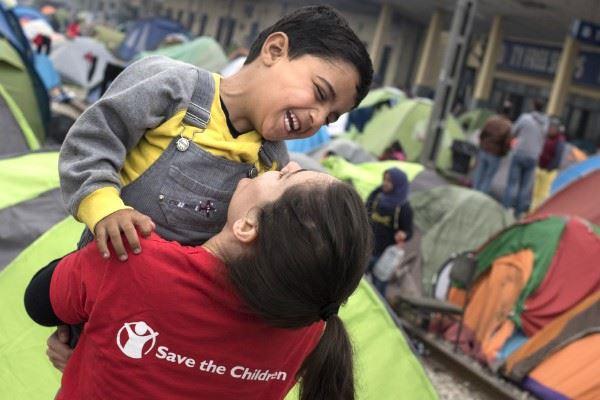Al-via-la-collaborazione-di-Diennea-con-Save-the-Children-1.jpg