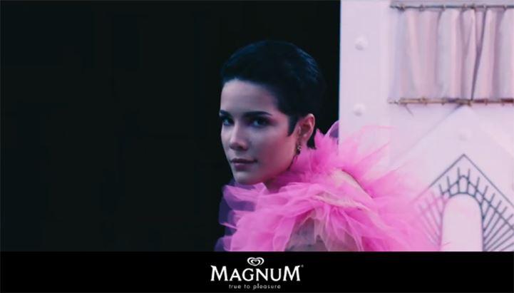 Halsey-Magnum-730.jpg