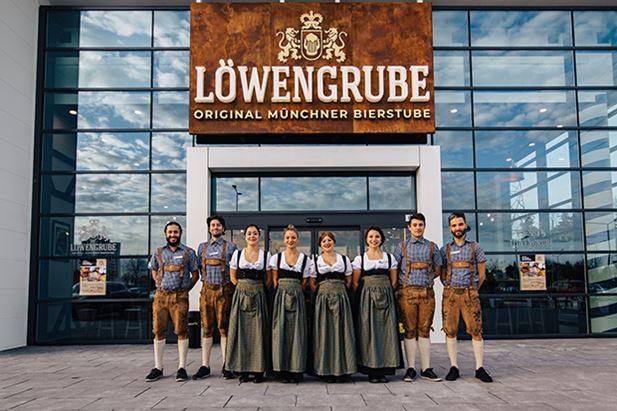 LOWENGRUBE-Makkie.jpg