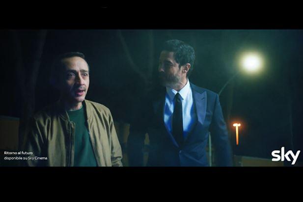 Un frame del nuovo spot Sky Cinema con Alessandro Gassmann