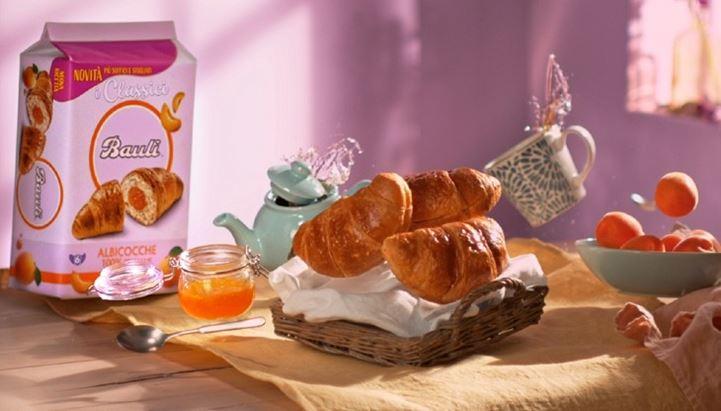 Un'immagine della nuova campagna Bauli dedicata ai Croissant