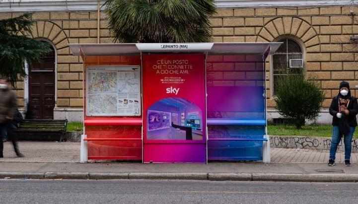 Clear Channel si riconferma concessionaria per la pubblicità sulle pensiline romane