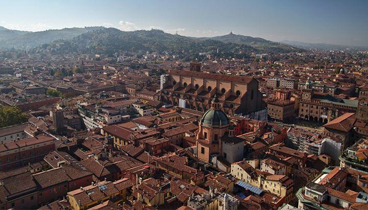 Il turismo dell'Emilia-Romagna riparte con un nuovo piano triennale. In foto, una veduta di Bologna