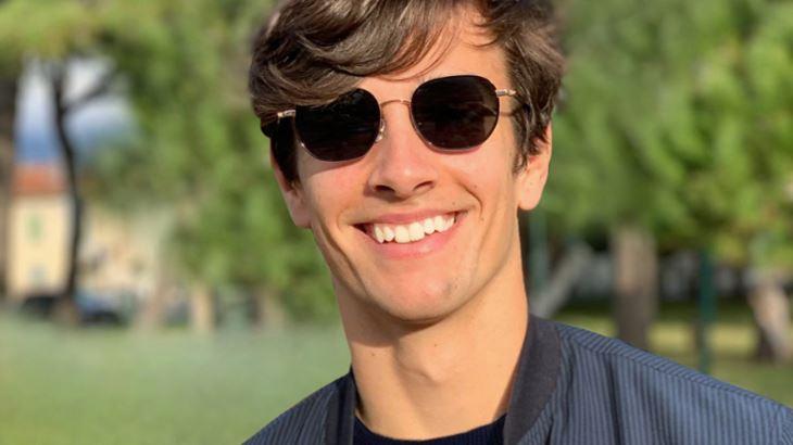 Lorenzo Musetti indossa un modello Bolon Eyewear