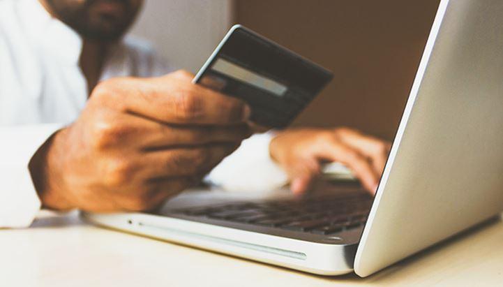 Fanplayr indaga le abitudini di acquisto online degli italiani (Photo by rupixen.com on Unsplash)