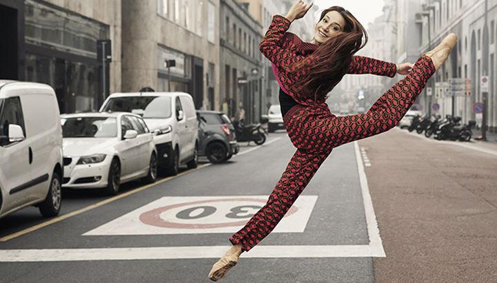 La prima ballerina della Scala, Nicoletta Manni, nella campagna Sisley