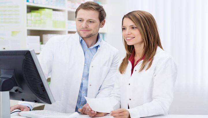 Farmacisti_articolo_farmaciamato.it.jpg