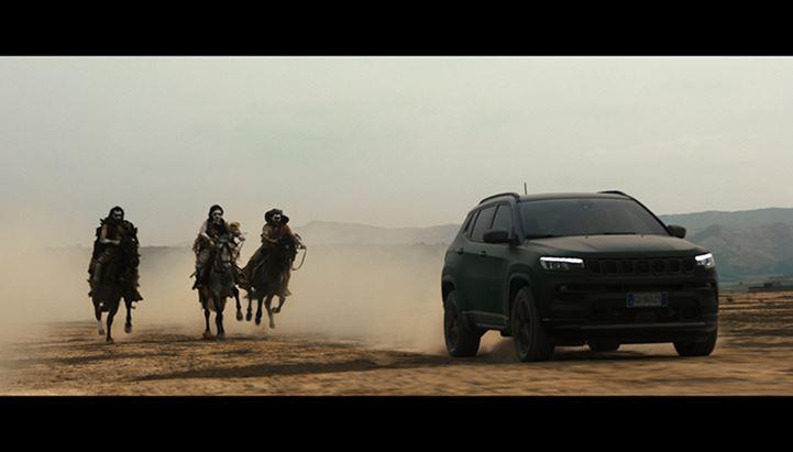 Un frame dello spot dedicato alla nuova Jeep Compass