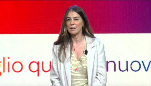 Antonella d'Errico di Sky in un momento della conferenza stampa