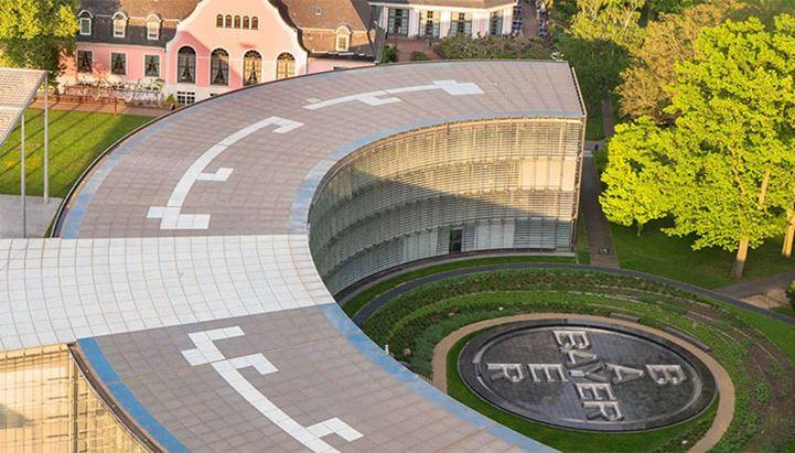 Bayer apre un pitch per il media globale. In foto, la casa madre dell'azienda in Germania (@bayer.com)