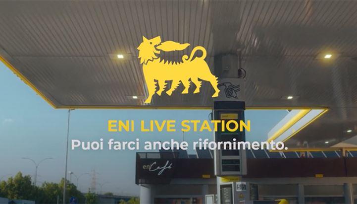 Un'immagine tratta dal nuovo spot dedicato alle Eni Live Station