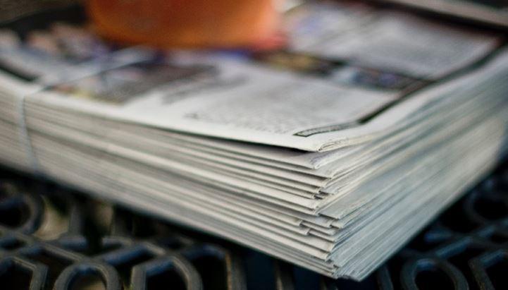 "Foto di <a href=""https://unsplash.com/@timmossholder?utm_source=unsplash&utm_medium=referral&utm_content=creditCopyText"">Tim Mossholder</a> su <a href=""https://unsplash.com/s/photos/newspaper?utm_source=unsplash&utm_medium=referral&utm_content=creditCopyText"">Unsplash</a>"