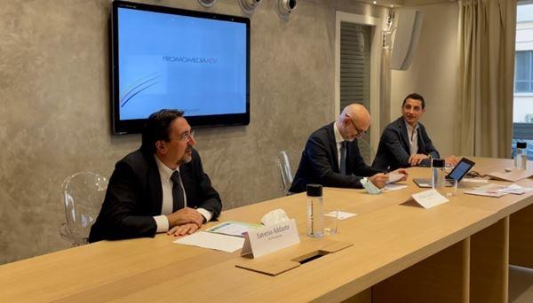 Un momento della presentazione. Da sinistra: Addante, Lucchi, Blini