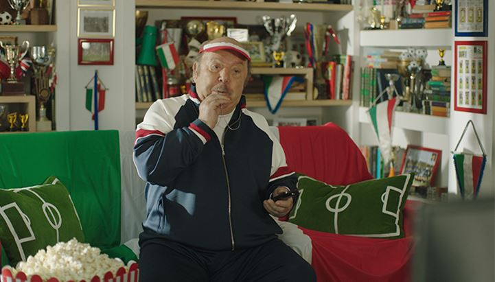 Lino Banfi nei panni di Oronzo Canà è il protagonista del nuovo spot 'TimVision Calcio e Sport'