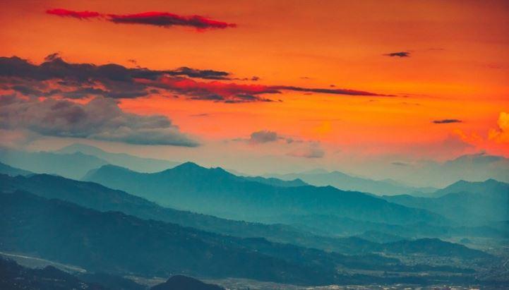 01 Guida 123RF su scelta immagini stock - Tramonto in Nepal.jpg