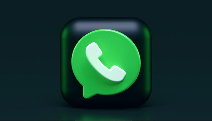 WhatsApp-Generica-Alexander-Shatov-Unsplash (1) (1).jpg