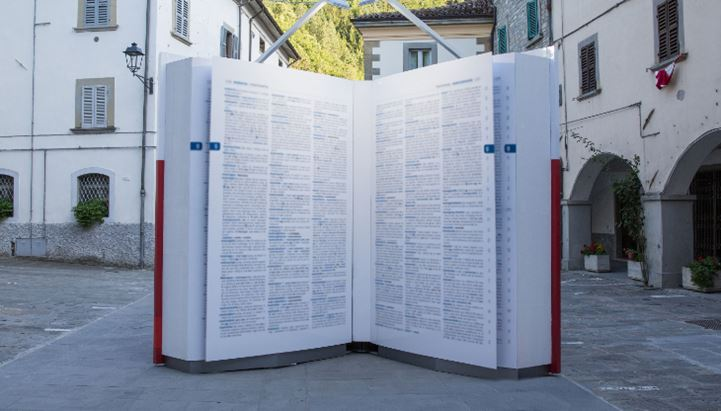 Un'immagine dell'installazione del vocabolario Zingarelli di Zanichelli in formato XXL